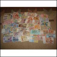 210 kpl käyttämättömiä seteleitä 42 erilaista mm. Malawi UNC